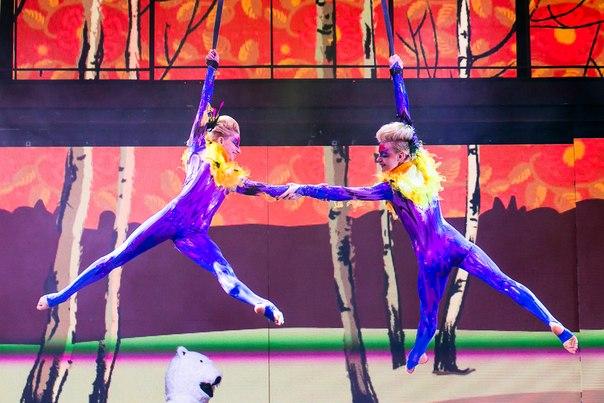 ЛЦ - детское шоу в ленингад центре  акробаты  242 99 99