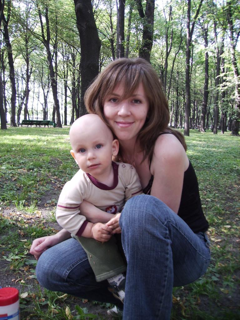 Вдохновительница и руководитель MamaClub - Мариэль Волкова с сыном