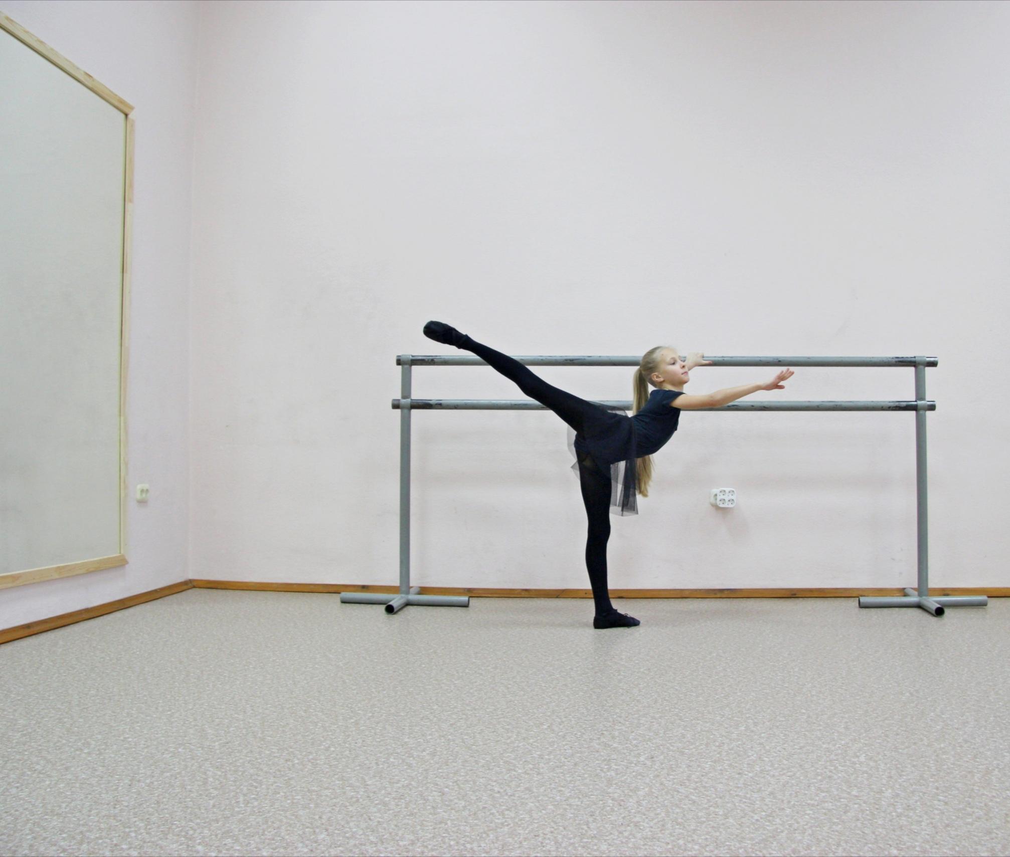 Для чего девочке балетная школа?